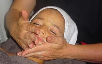 Le massage pour enfants (6-12 ans) et adolescents (12-18 ans)