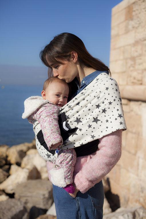 Echarpe de portage bébé maman